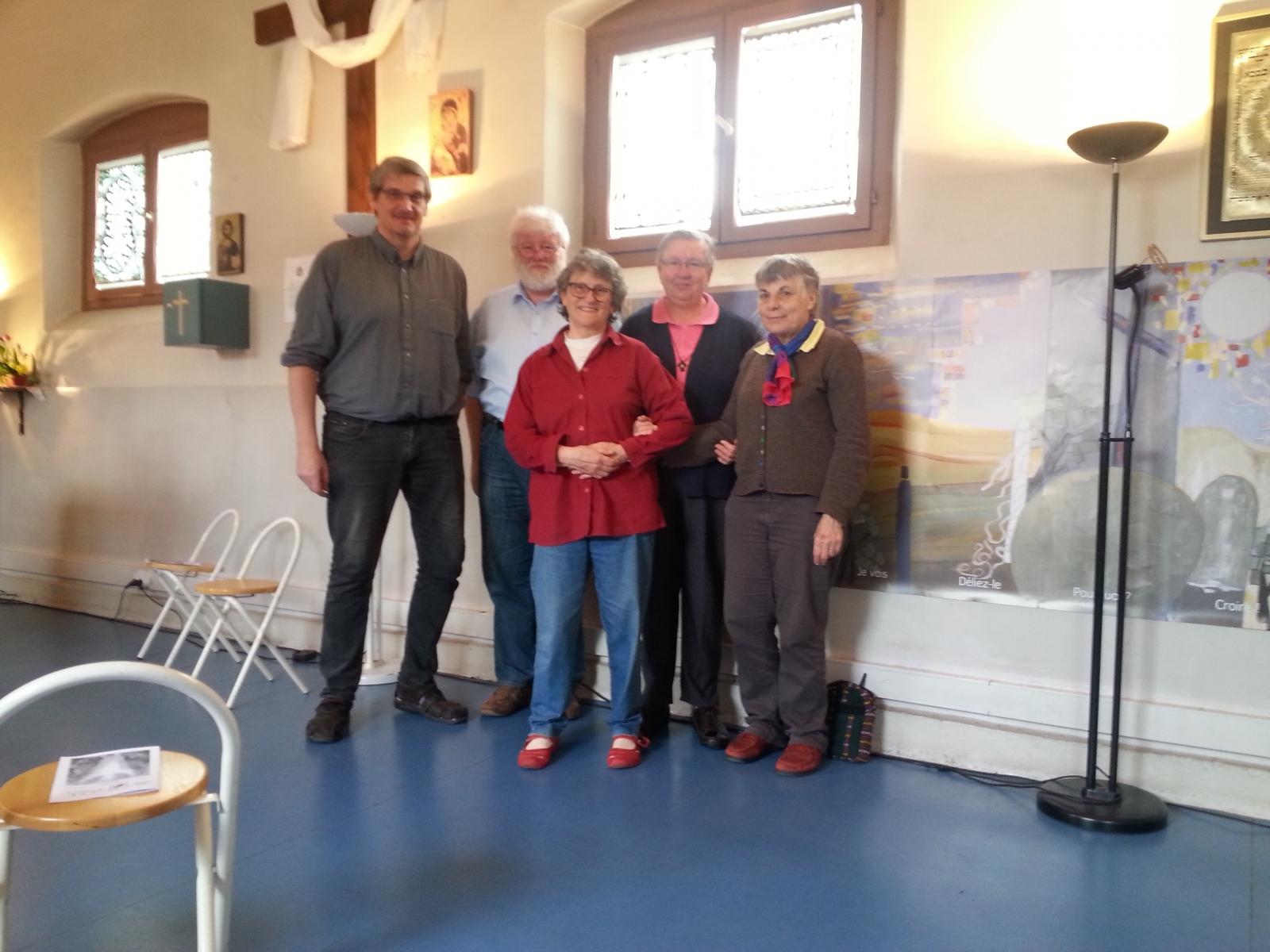 Kl. Sr. Franca mit dem Team der Gefängnisseelsorge in Mulhouse